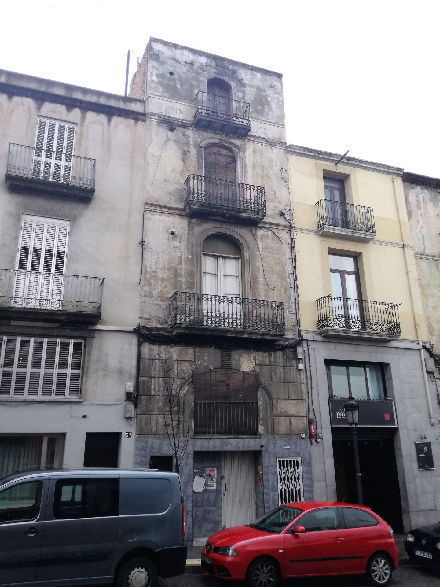 Edificio de uso mixto en venta en mur s/n, Martorell